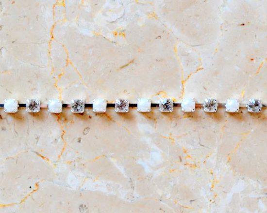 Single Pearl Rhinestone Chain