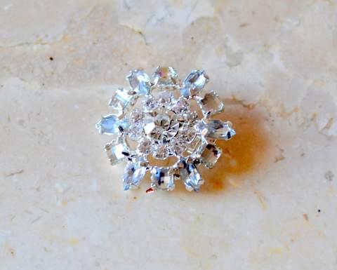 """1"""" Mini Silver Rhinestone Brooch"""
