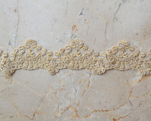 "2.25"" Gold Metallic Scallop Lace"
