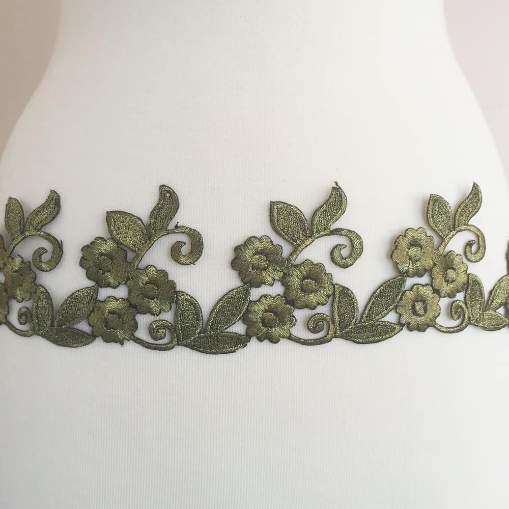 Embroidered Floral Swirl Leaf Trim (Iron-On)