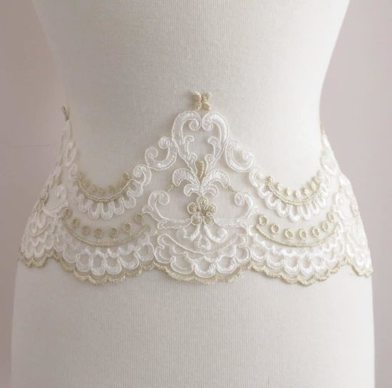 Kensington Embroidered Scallop Lace