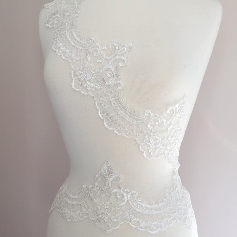 Windsor Embroidered Scallop Lace