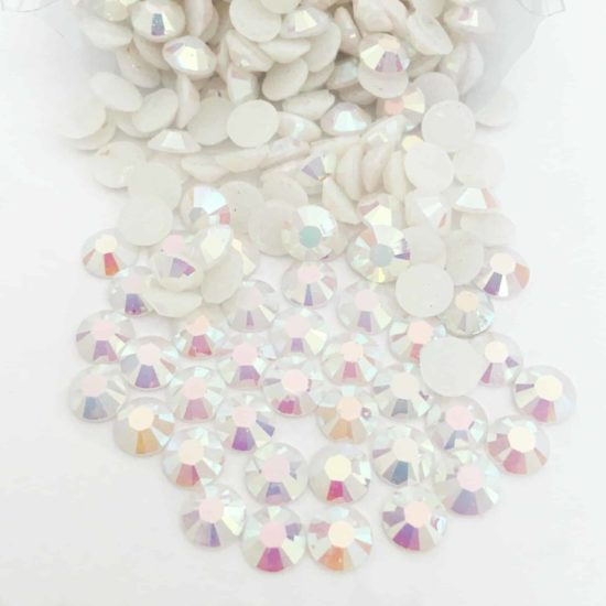 Acrylic Flatback Gem Stones (WHITE AB) SS30 (PACK OF 1000)