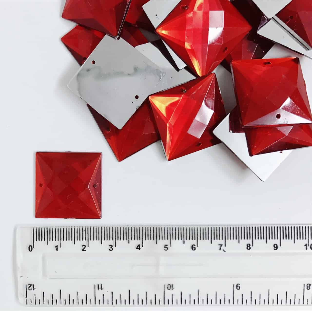 *CLEARANCE* Acrylic Stones Square 25mm Red (100PCS)
