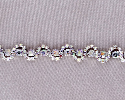 Petit Lila Rhinestone Chain