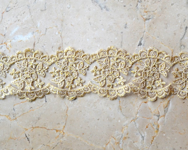 "2.75"" Double-Sided Gold Metallic Lace"